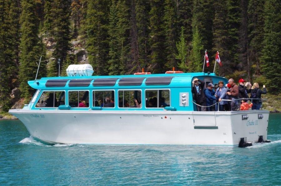 maligne lake boat trip